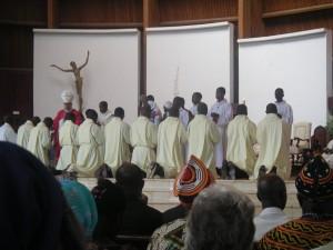 Priesterweihe in Basilika